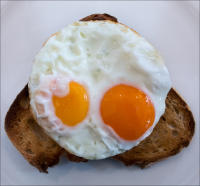 Eggs on toast, 202 Westbourne Grove, London  © 2017 Keith Trumbo